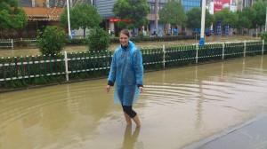 Ja wir hatten etwas viel Regen hier :-D und damit verbunden Überschwemmung und Stromausfall - war aber nur ein Tag und danach wieder alles recht normal =)